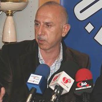 Kamy Rashidi, durante su presentación en Puertollano (Foto: UD Puertollano)