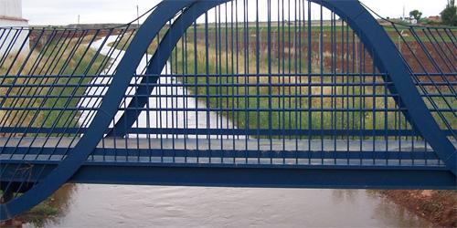 Puente sobre el río Azuer