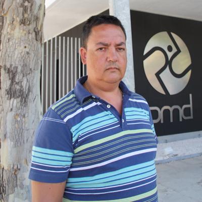 Joaquín Torres lleva muchos años luchando por los derechos de su mujer y otros discapacitados físicos.