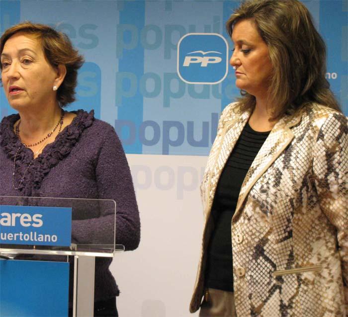 Ciudad (derecha), durante la rueda de prensa de ayer