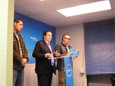 Lucas-Torres y Garrido, en rueda de prensa