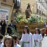 Una soleada y primaveral mañana dio esplendor al Domingo de Ramos