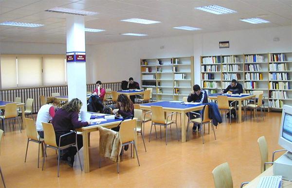 La UCLM pondrá a disposición del Ayuntamiento el Centro de Estudios Universitarios