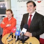 El alcalde de Puertollano abre la puerta a los despidos de interinos y anuncia una nueva distribución de personal