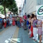 Los funcionarios protagonizan otra cacerolada ante la sede de la Seguridad Social de Ciudad Real