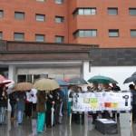 Los profesionales sanitarios vuelven a protestar en las puertas de sus centros contra los recortes