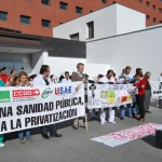 Un minuto de silencio por la sanidad pública en el noveno martes de protestas de los profesionales sanitarios