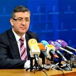 El Consejero de Educación asegura que 9 de cada 10 euros se destinarán a pagar las nóminas de los docentes