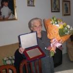 El Ayuntamiento de Ballesteros de Calatrava homenajea a Amadora Herrera tras cumplir cien años «con España a cuestas»