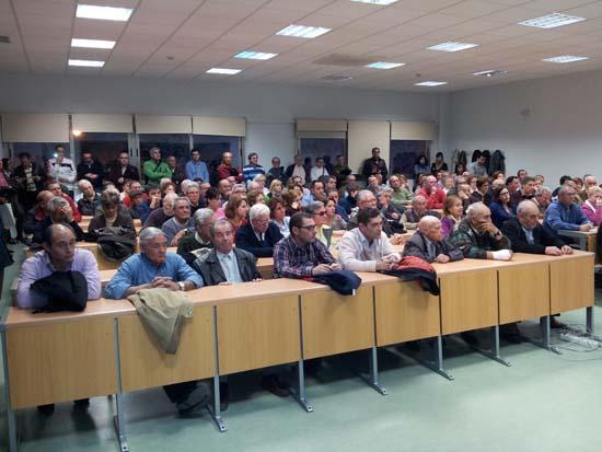 Asamblea de afectados por las preferentes en Puertollano 2