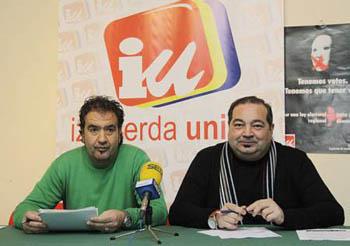 Luis Ángel Serrano (izq), de IU de Miguelturra