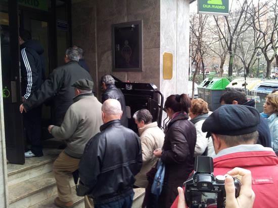 Los manifestantes penetran en las oficinas