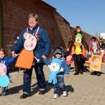 Los pequeños de la localidad desfilaron disfrazados de personajes de dibujos animados