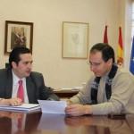 El delegado de la Junta en Ciudad Real se reúne con varios alcaldes del Campo de Montiel