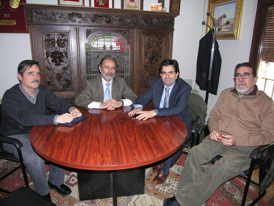 El alcalde de Villanueva de los Infantes se reúne con los responsables del Servicio de Vivienda en Ciudad Real