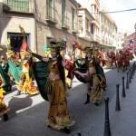 Trece agrupaciones de la región participaron en el desfile de carrozas de Villarrubia de los Ojos