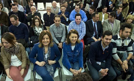 Cospedal y Báñez en el debate del PP Ninis, ni desempleados ni poco formados
