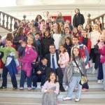 Alcázar de San Juan: Los niños del colegio Jardín de Arena visitan el Ayuntamiento