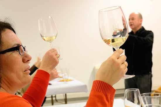 """AFAMMER organiza en Argamasilla de Alba """"Escucha al vino"""", una actividad encuadrada dentro del programa de """"Animación a la lectura y a la escritura en el medio rural"""""""