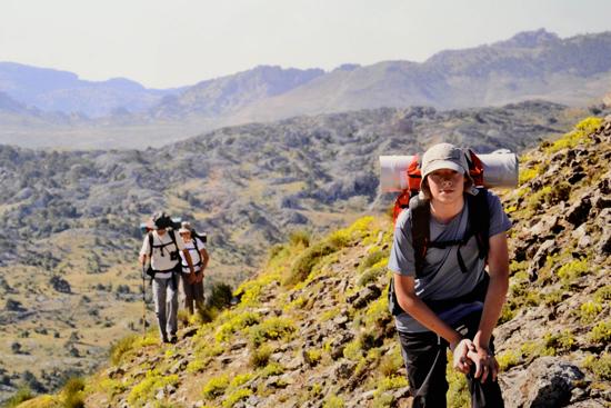 """""""Zancajos, tres años de caminatas"""", exposición fotográfica de la asociación de senderistas de Argamasilla de Alba"""