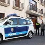 El alcalde de Campo de Criptana entrega las llaves de un nuevo vehículo a la Policía Local
