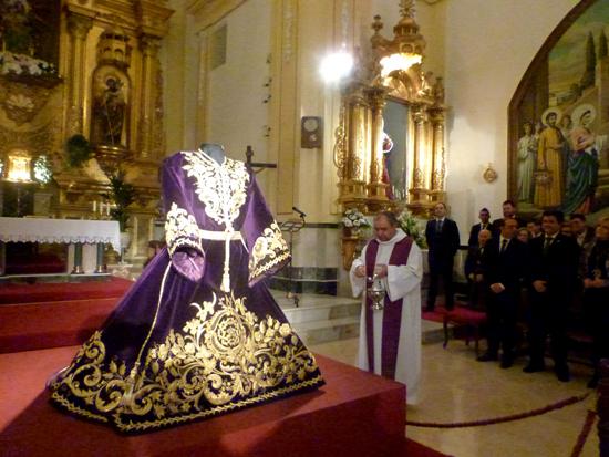 Presentada la nueva túnica de Nuestro Padre Jesús Nazareno