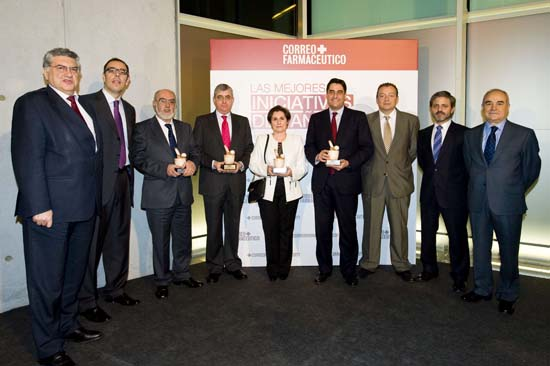 farmaceuticos c.real presidente en recogida premio nacional a COFCAM