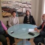 El alcalde de Manzanares se reúne con miembros de la Iglesia Evangélica de Philadelphia