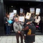 Puertollano: Los afectados por las preferentes colapsan en un sólo día sendas sucursales de La Caixa y Bankia
