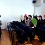"""La PAH sorprende con un """"escrache"""" en el Pleno del Ayuntamiento de Ciudad Real y lo abandona a los gritos de """"sí se puede"""""""