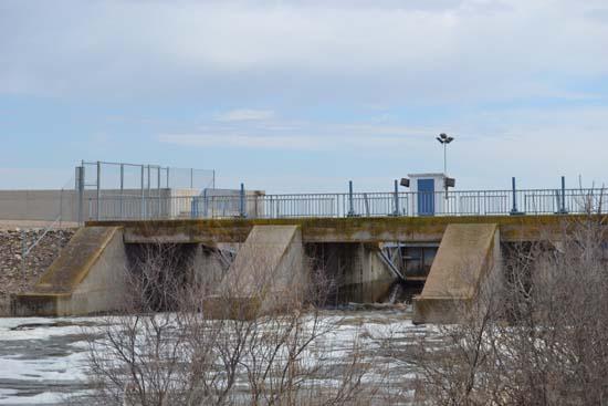 Vista presa de Puente Navarro - Mañana 3 de abril