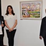 Rosa Romero destaca el compromiso del pintor José Manuel Exojo en la exposición del artísta a beneficio del Banco de Alimentos
