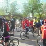 Los ciclistas solidarios de Malagón visitan el Castillo de Calatrava la Vieja