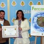 Manzanares: Entregado el premio al creador de la nueva imagen de FERCAM 2013