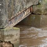 Manzanares: Continúa cortado el acceso al puente sobre el Azuer del Camino de Daimiel