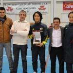 El alcalde de Valdepeñas recibe a la Selección Japonesa de fútbol sala que disputó un amistoso contra el equipo local