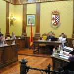 """El alcalde de Valdepeñas presenta un """"promedio de consumo"""" para defenderse de las acusaciones de derroche en teléfono entre junio y julio de 2011"""