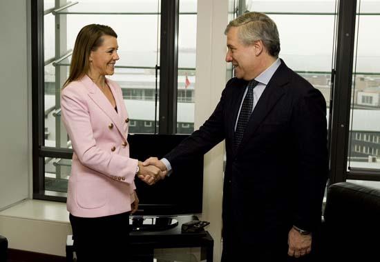 Cospedal se reúne con Antonio Tajani 1