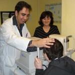 El Mancha Centro revisa a 28 niños con Síndrome del Maullido del Gato para evitarles complicaciones visuales