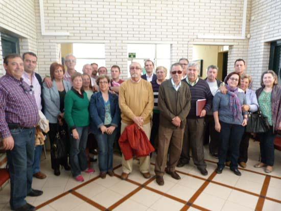 Parte de la antigua y nueva Junta Directiva, junto a otros miembros de la FLAVE