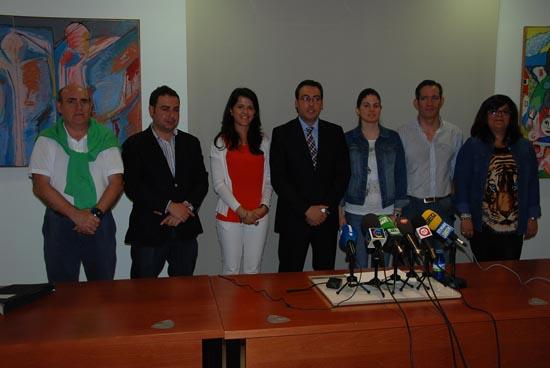 Diego Ortega con parte del equipo de Gobierno