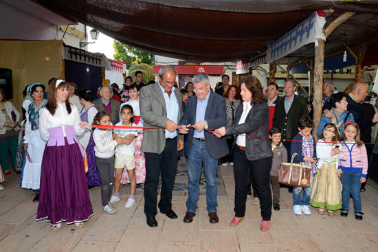 Inauguracion Mercadillo01_AdeAlba