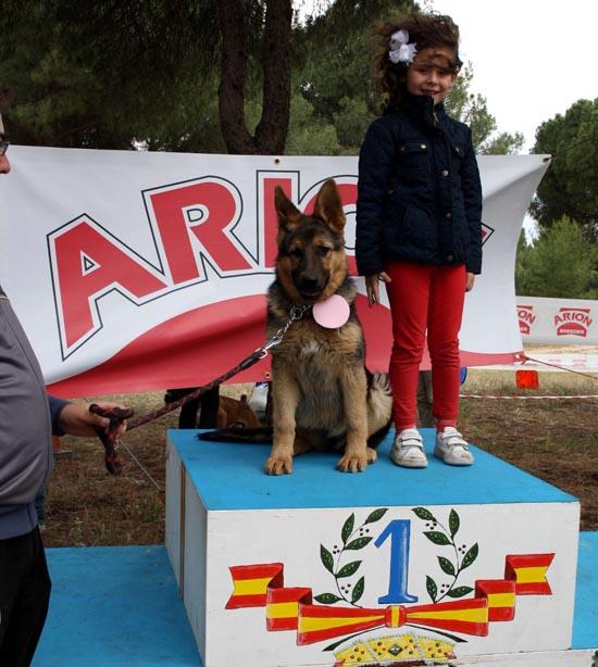 Villarta nena y su mascota