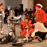"""Nuevo éxito del XIV Quijote en la Calle: El enfrentamiento con El Caballero de la Blanca Luna y una """"carrera de gordos"""" fueron las principales aventuras de esta edición"""