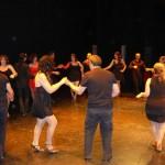 Los alumnos del Taller de Bailes de Salón de la Universidad Popular de Miguelturra celebran el fin de curso