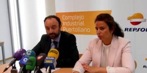 Roberto Cabrera y Natalia Álvarez presentando el I programa de Becas de FP.
