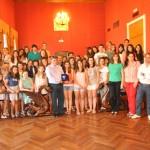 Las voces del Coro Juvenil inundan el salón de plenos de Tomelloso