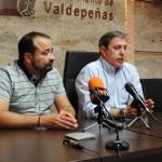 El Ayuntamiento y el comercio de Valdepeñas planean la creación de una tarjeta de fidelización