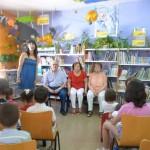 Daimiel: Abuelos y niños se encuentran en la Biblioteca Municipal