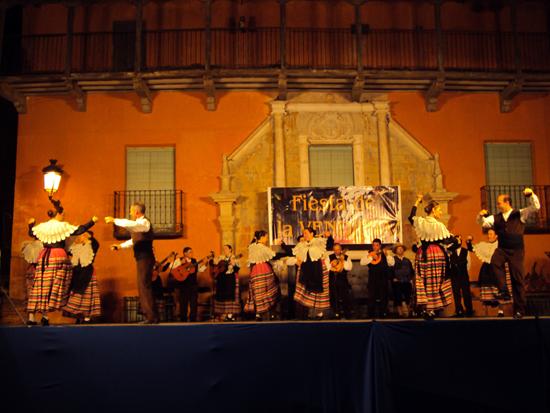 Fiesta-de-la-Vendimia,-actuación-02
